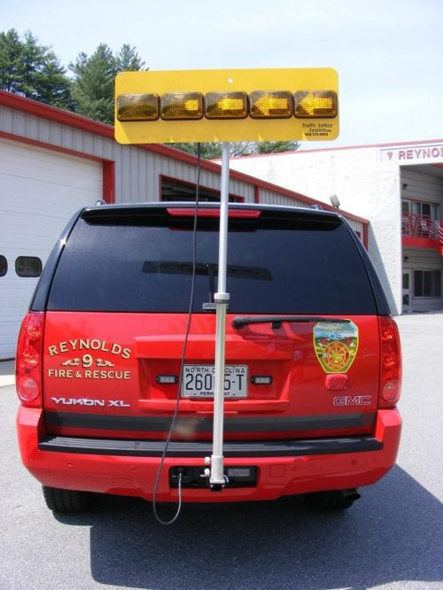 Hitch Mounted Portable 5 LED Traffic Arrow Board HM1-AB